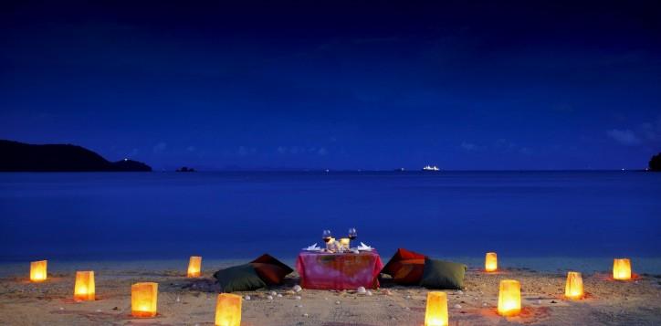 rb_phth_romantic-dinner_2016-10-21-2