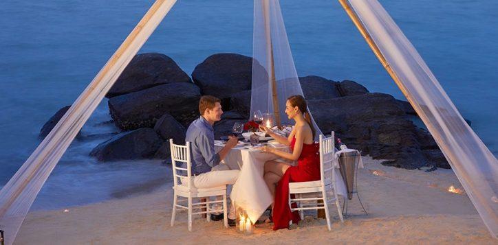 romantic-dinner-1resize-to-1400-450-2